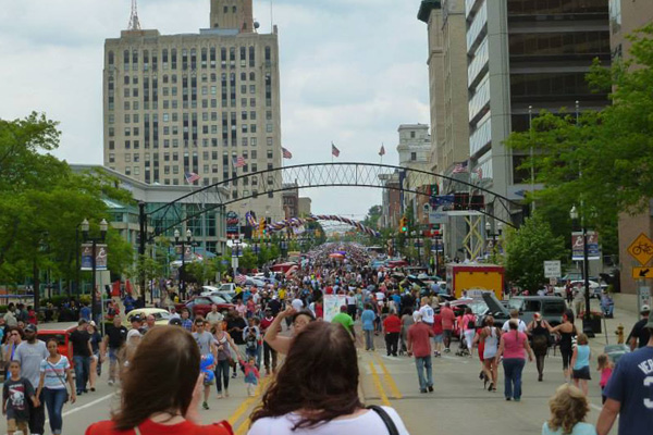 Downtown Flint during Back to the Bricks