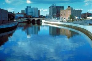 1280px-Flint_River_in_Flint_MIchigan